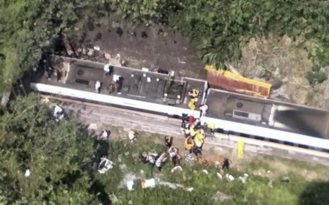 in-eastern-taiwan-train-crashes-48-people-killed-and-dozens-injured