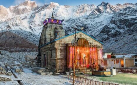 high-court-of-uttarakhand-strongly-criticized-tirath-singh-rawat-government-for-allowing-chardham-yatra