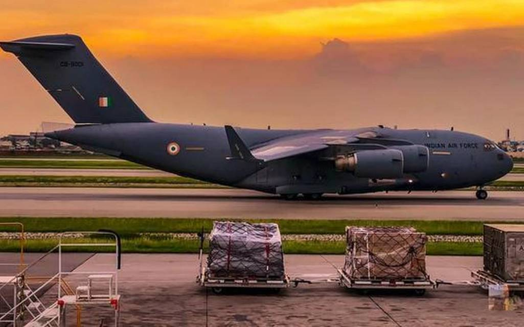 IAF-airlifts-3-oxygen-containers-from-Singapore-to-Panagarh-in-Bengal