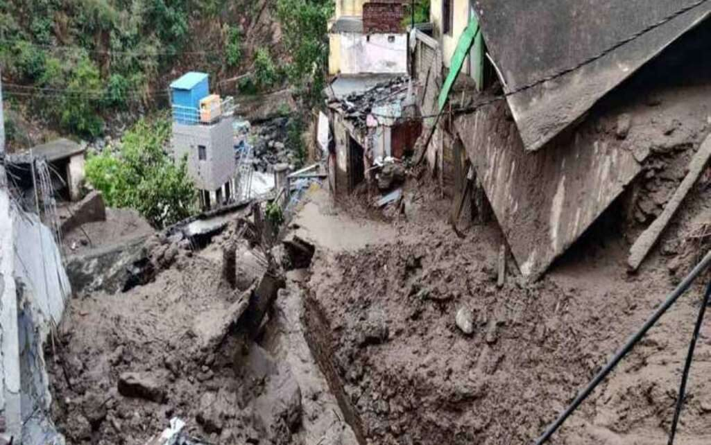 uttarakhand-several-shops-and-houses-damaged-due-to-a-cloudburst-in-tehri-districts-devprayag-area