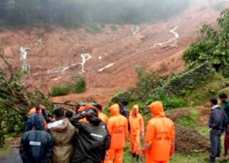 Floods and landslides caused by heavy rains in Kerala, 9 killed, rescue operation underway