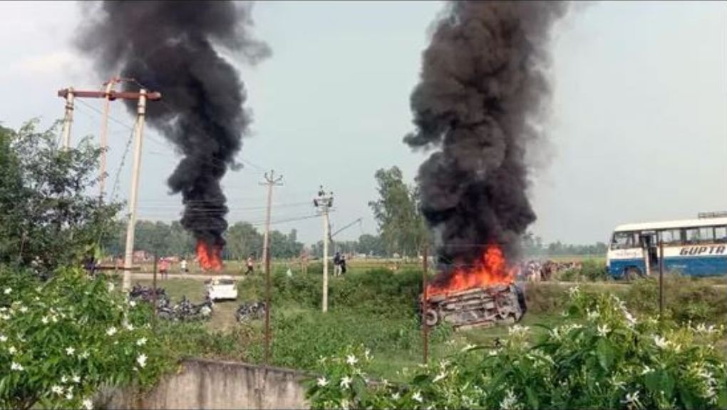 In Lakhimpur Kheri, the ruckus increased due to the death of eight including four farmers, many opposition leaders were trying to reach there.